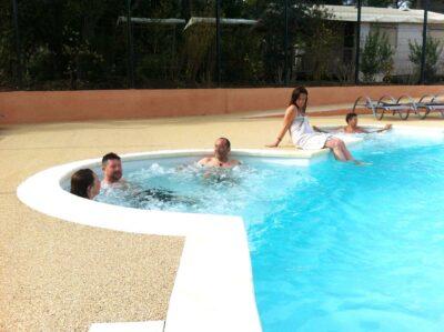 Campsite Hyères Heated pool Jacuzzi Spa Solarium Pools