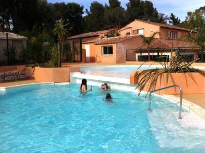 Aquatic area Quiet Heated pool Relaxation
