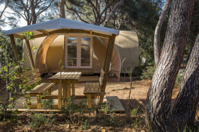 Campsite tent  equipped relaxation, comfort , conviviality, Nature
