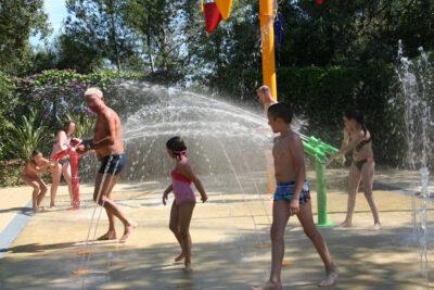 Camping La-Londe-les-Maures Water games Heated pool
