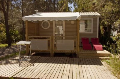 Air-conditioned mobile home rental- Camping luxury and space