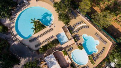 Hyères Beaches Heated pool Aquatic complex