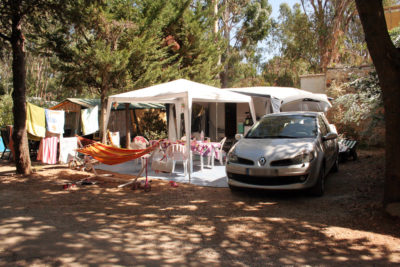Tent pitches in a wooded campsite - Côte d'Azur