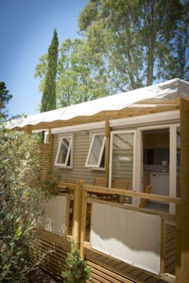 High-end mobile home – A 4-star campsite opposite the