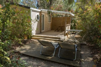 Premium air-conditioned mobile home in Provence - sun loungers