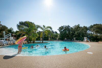 Solarium Hot tub Spa Paddling pool Large pool Heated pool