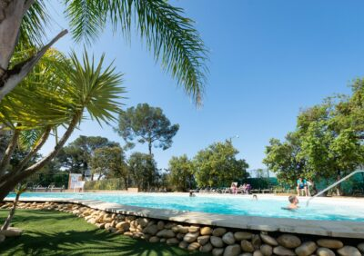 French Riviera Heated swimming pools Aquatic complex Holidays