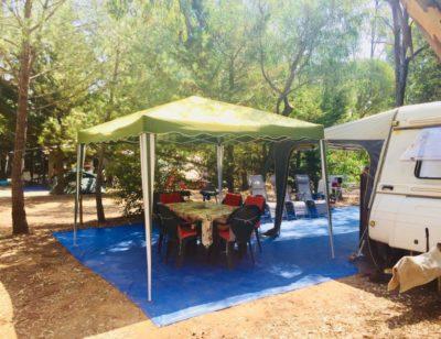 Caravans camper vans Pitches Hyeres low-cost