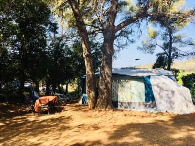 Very spacious pitches - four-star campsite Hyères