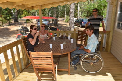 Air conditioned mobile home for disabled guest - Campsite