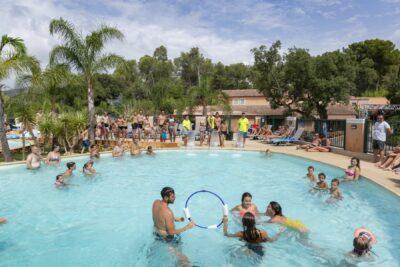 Camping La-Londe-les-Maures Aquatic area Swimming pool Family activities