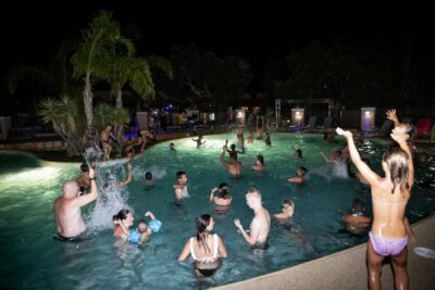Camping Water park Evening Animation Conviviality Family