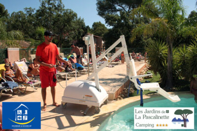 Campsite Hyères Swimming pool PRM Motor disability