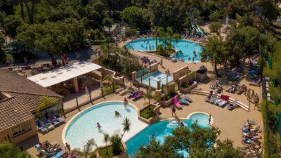 4 pools water slides water games between Hyères and La Londe