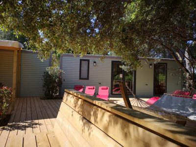 Holiday in a campsite 10 guests in a house with a spa close to the beaches of Hyères