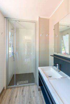Villa bathroom - shower - Premium holiday