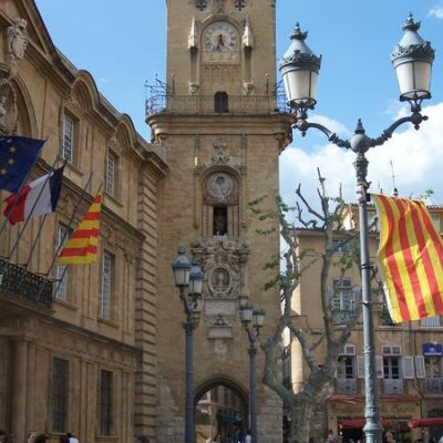 Sightseeing and strolling in Aix-en-Provence, 1¼ hrs from the campsite
